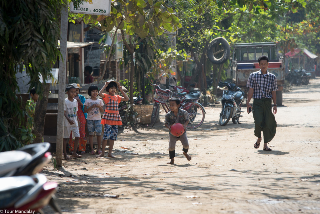 Children playing in Ngwe Saung