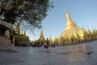 Myanmar in focus: Time lapse of Shwedagon Pagoda