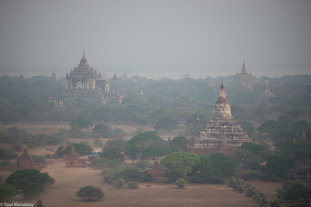 Oriental Ballooning in Old Bagan