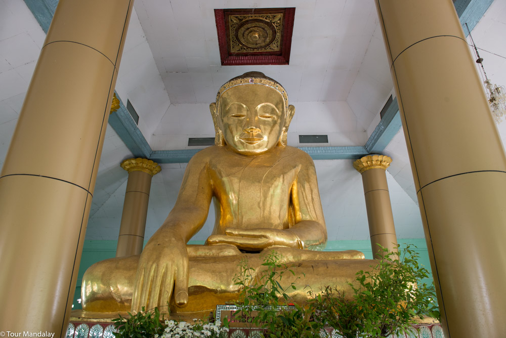The largest lacquerware Buddha in Myanmar, located at Man Paya Pagoda